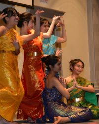 Thai student performers